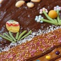 Wielkanocny mazurek kajmakowo czekoladowy