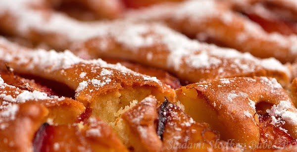 Ciasto owocowe na maślance (ze śliwkami)