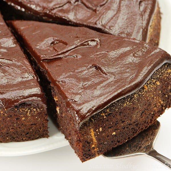 Bezmączne ciasto czekoladowo-orzechowe z pomarańczą
