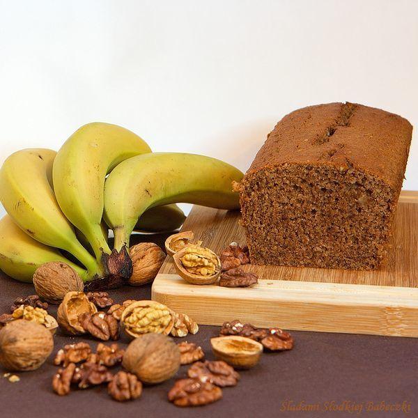 Pełnoziarnisty chlebek orzechowo – bananowy