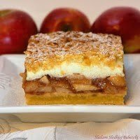 Apple pie with foam