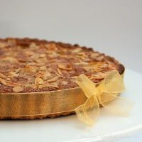 Tart with pears