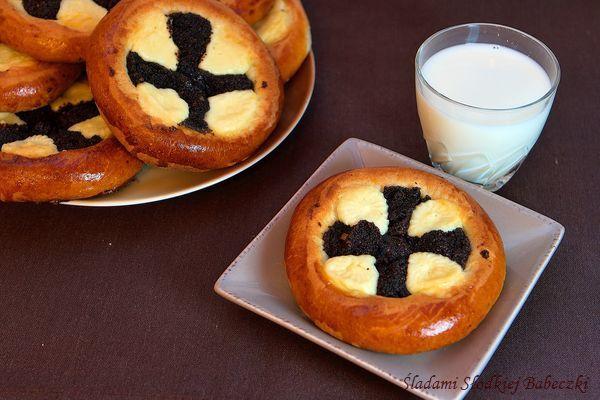 Bułeczki z serem i makiem