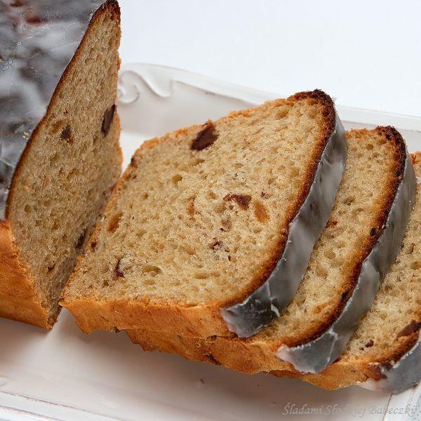 Chlebek miodowy z daktylami i sezamem