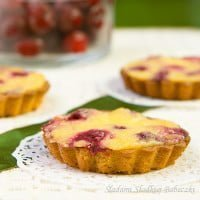 Cupcakes with cherries / Tartlets with cherries