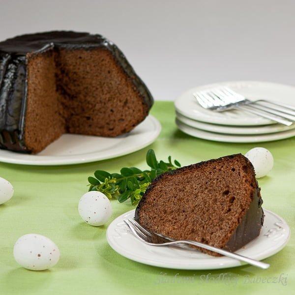 Drożdżowa babka czekoladowa