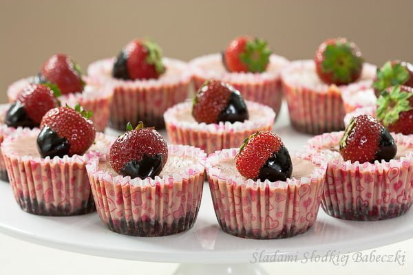 Miniserniczki truskawkowe / Strawberry mini-cheesecakes