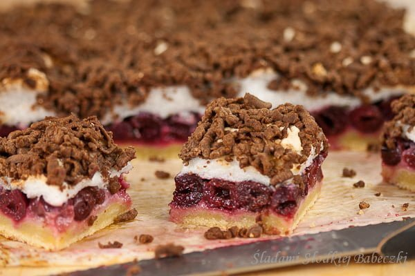 Pleśniak (skubaniec) / Cake with cherries and meringue