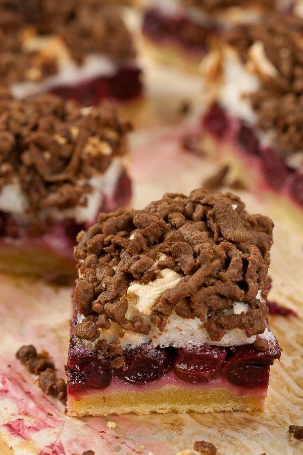 Pleśniak (skubaniec) / Cake with cherries and meringue