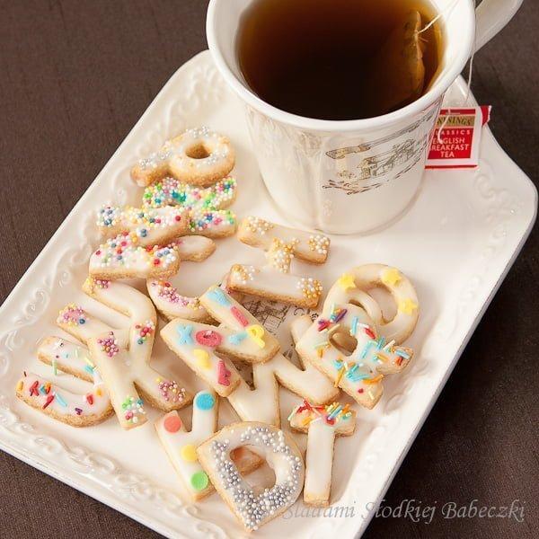 Wesołe ciasteczkowe literki