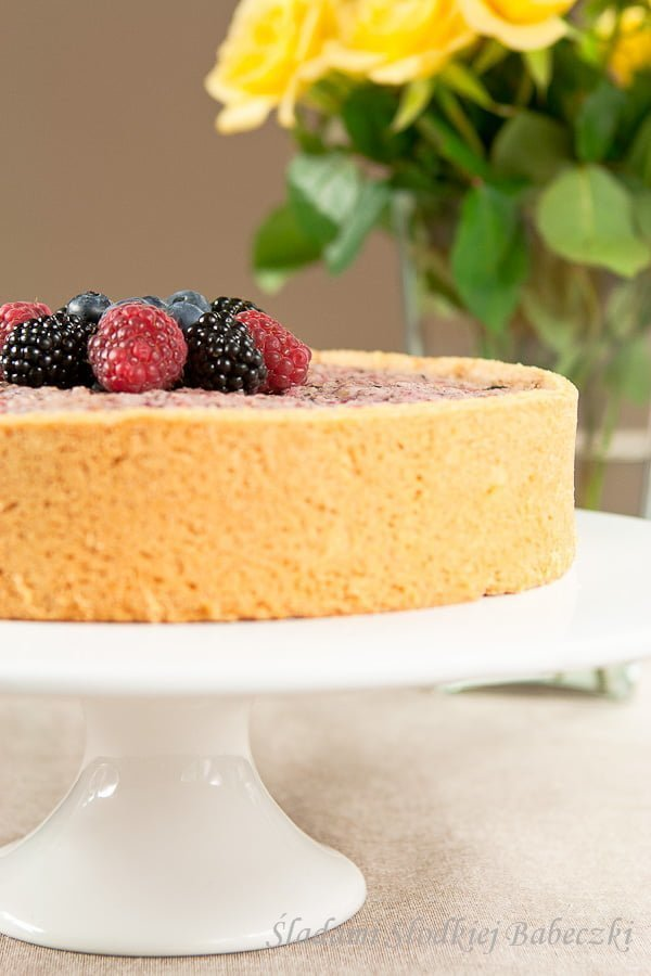 Ciasto z migdałami i owocami / Cake with almonds and fruit