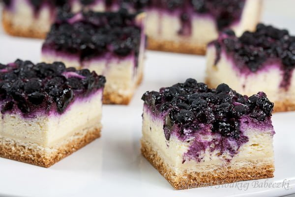 Drożdżowy placek z serem i jagodami / The yeast cake with cheese and blueberries