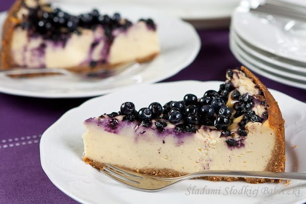 Sernik budyniowy z jagodami / Cheesecake with pudding and blueberries