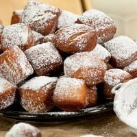 Schmalzgebäck - square pączusie | SchmDoughnutserman donuts