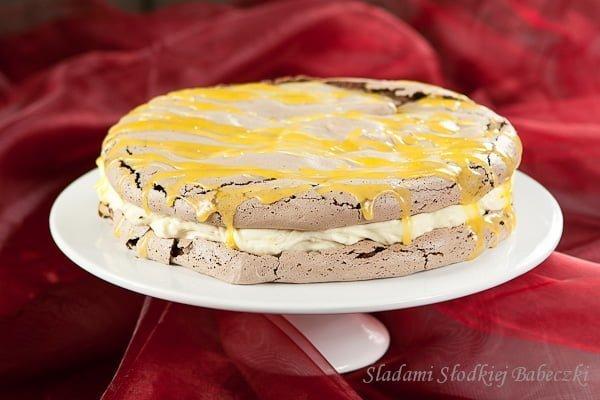 Beza czekoladowa z kremem cytrynowym | Chocolate meringue with lemon cream