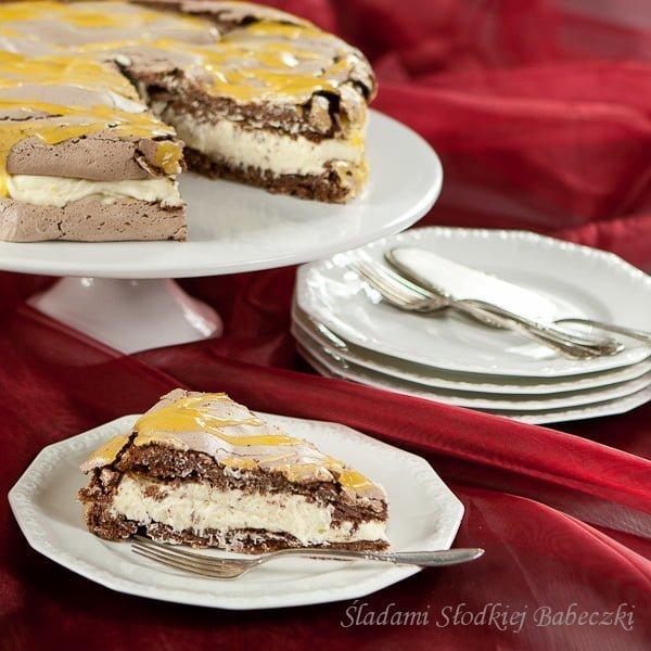 Czekoladowy tort bezowy z kremem cytrynowym
