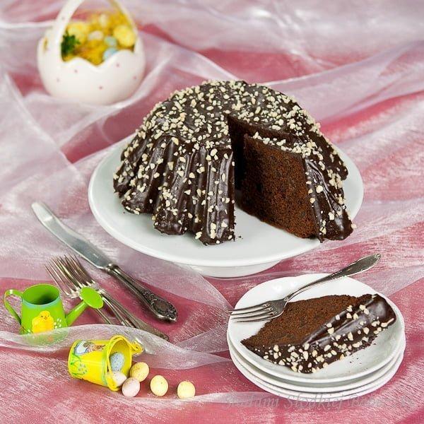 Babka czekoladowa z kawałkami czekolady