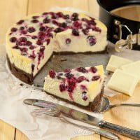 Sernik z białą czekoladą i żurawiną | Cheesecake with white chocolate and cranberries