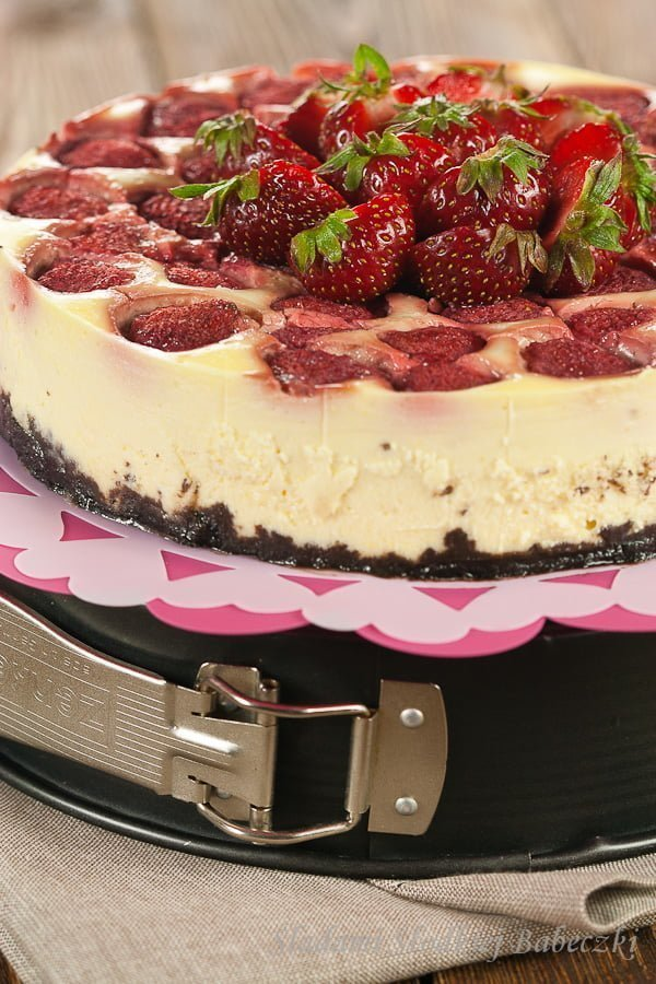 Sernik z truskawkami | Cheesecake with strawberries
