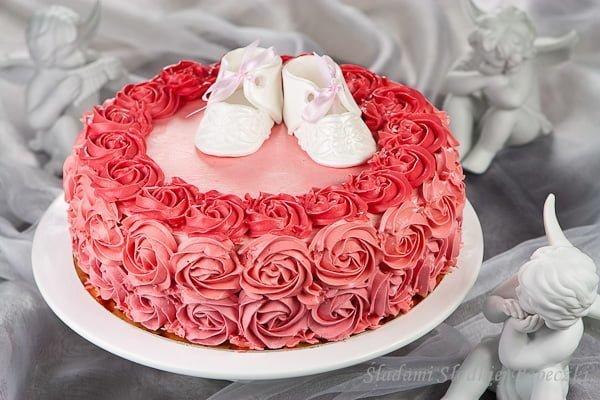 Tort z białą czekoladą na chrzciny