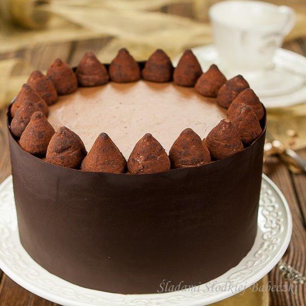 Tort czekoladowo truflowy